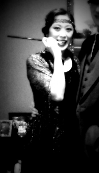 Roaring 20s in black and white me 345x600 How to Rock [Fake] the 20s [Out]